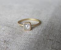スクエアクッションカットダイヤモンドリング - hiroe  jewelryつくり