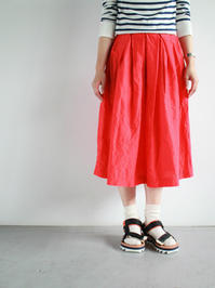 R&D.M.Co- S/L BOX PLEATS SKIRT / RED - 『Bumpkins putting on airs』