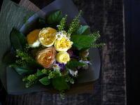 母の日に花束。「黄色系」。2018/05/20。 - 札幌 花屋 meLL flowers