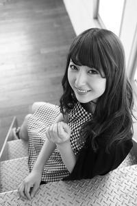 鈴木琴音ちゃん40 - モノクロポートレート写真館