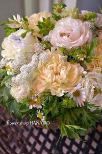 お悔やみのフラワーアレンジメント。 - 花色~あなたの好きなお花屋さんになりたい~