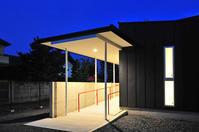 バリアフリーの玄関スロープと収納ボックス! - 島田博一建築設計室のWEEKLY  PHOTO / 栃木県 建築設計事務所