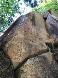 瑞牆山しじま谷龍脈門(5.13a)  (5月22日) - ちゃおべん丸の徒然登攀日記