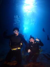 5月25日今日もPカン!!ジンベエザメ&青の洞窟体験ダイビング - 沖縄・恩納村のダイビング・青の洞窟体験ダイビング・スノーケルご紹介