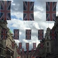 ロイヤルウェディングを観ながらハリー&メガン記念グッズでおうちカフェ - Chakomonkey Everyday in London