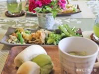 白パン&抹茶パン - 美味しい贈り物