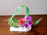 ガーベラを活けて楽しむ・季節の花々 - 活花生活(2)