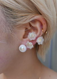 WhiteEarring - carboots