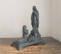 聖母マリアの出現とベルナデット 高34cm  / F185 - Glicinia 古道具店