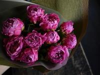 結婚記念日に奥様への花束。「シャクヤクのみで」。2018/05/22。 - 札幌 花屋 meLL flowers