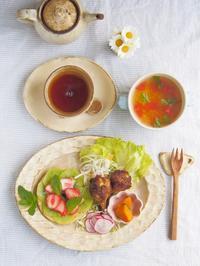 いちごベーグルの朝ごはん - 陶器通販・益子焼 雑貨手作り陶器のサイトショップ 木のねのブログ