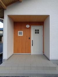 木と漆喰の白い家(完成!) - ㈱栃毛木材工業