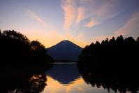 30年5月の富士(28)田貫湖の朝焼けの富士 - 富士への散歩道 ~撮影記~