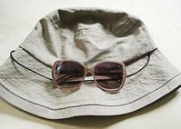 この夏の帽子はサファリ風&数年ぶりに新調したサングラス - NY/Brooklynの空の下