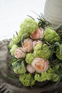 ビバーナム・スノーボールを上手に使う - お花に囲まれて