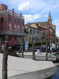 運河に並ぶボート (Barca) - エミリアからの便り