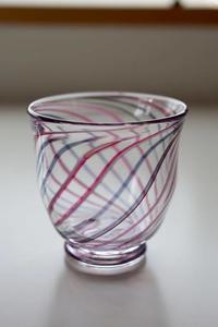 グラスの入れ替え - 宙吹きガラスの器