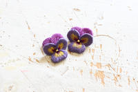 オフフープ立体刺繍のビオラを作っています - フェルタート™・オフフープ™立体刺繍作家PieniSieniのブログ