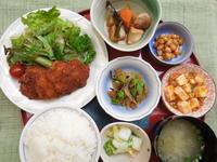 チキンカツ★(^^♪・・・・・700円ランチ - 日だまりカフェ