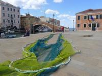 黄緑と緑色の漁網 (Rete da pesca) - エミリアからの便り