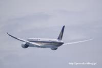 お初・シンガポール航空B787-10 - オット、カメラ(と自転車)に夢中
