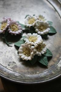 梅雨に咲く布花 - 布の花~花びらの行方 Ⅱ