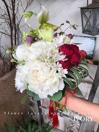〜白無垢へブーケを〜♬ -  Flower and cafe 花空間 ivory (アイボリー)