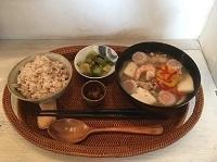 6月17日(日)の営業時間は12:00~17:00です。選べるお味噌汁は…どちらもお豆がたっぷり!! - miso汁香房(ロジの木)