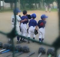 かわいい新入団部員です~(^-^) - 川口市立中居小学校での練習を中心に土日祝、活動中の少年野球チームです!