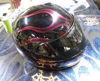 アライ謹製古~~い2輪用ヘルメットとか。 - DRESS OUT  White Blog