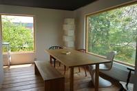 樹木に包まれたオープンハウス - 函館の建築家 『北崎 賢』日々の遊びと仕事