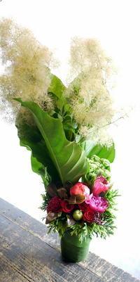 南3西7に移転オープンのスープカレー屋さんにアレンジメント。2018/06/13。 - 札幌 花屋 meLL flowers