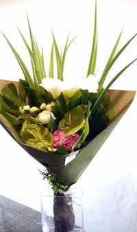 ご自宅での一周忌に花束。真栄4条にお届け。2018/06/16。 - 札幌 花屋 meLL flowers