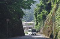 赤生木校前 - リンデンバス ~バス停とその先に~
