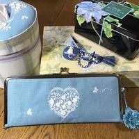 ブルーの麻布のホワイト刺繍、できました。 - Oharibako no yousei