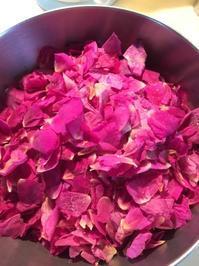 ローズシロップを作ってみました&♡素敵なお知らせ♡。。♪ - 妖精と香りの庭