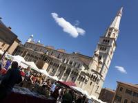 """モデナのアンティーク市 """"L'antico in Piazza Grande ランティーコ イン ピアッツァ  グランデ"""" - ITALIA Happy Life イタリア ハッピー ライフ  -Le ricette di Rie-"""