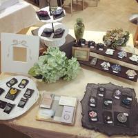 あと2日です 〜阪急うめだ本店『ブローチ展』 - 芦屋・西宮・神戸 毎日キラキラしていたいあなたのための☆資格のとれるお教室 グルーデコ®︎、ハンドメイドアクセサリー、アロマストーン 創意飾品工作室 atelier maya