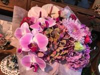 コチョウランを使って♪♪ - ブレスガーデン Breath Garden 大阪・泉南のお花屋さんです。バルーンもはじめました。