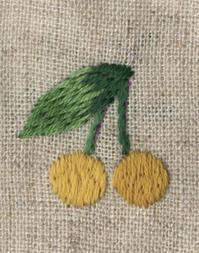 黄色いさくらんぼの刺繍をしました。 - vogelhaus note