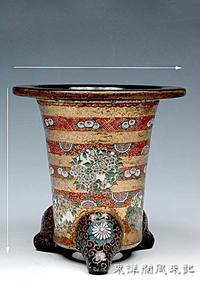 楽鉢は地震に強いNo.1884 - 東洋蘭風来記奥部屋