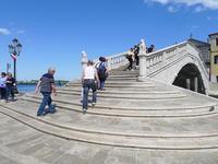 運河に架かる橋 (Il ponte di Vigo Canal Vena)  - エミリアからの便り