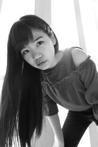 三浦彩楓ちゃん12 - モノクロポートレート写真館