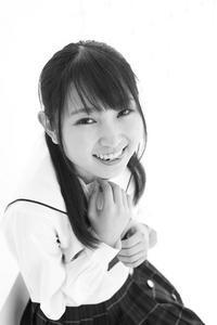 白井花奈ちゃん16 - モノクロポートレート写真館