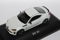 1/64 DEALER TOYOTA Limited GR 86 - 1/87 SCHUCO & 1/64 KYOSHO ミニカーコレクション byまさーる