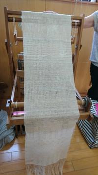 織模様を控え目に使って - 大分手織物語り