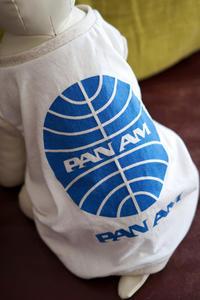 PAN AMロゴてぃはつで、イヌの服【リメイクバージョン】 - A M R i T A   /  ア ム リ タ