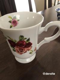 レトロな薔薇模様のカップ - 大好きな古いもの、日々愛用しているもの。