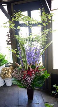 江別市野幌松並町にリニューアルオープンのレストランにアレンジメント。2018/06/30。 - 札幌 花屋 meLL flowers