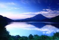 30年6月の富士(21)本栖湖の青空の富士 - 富士への散歩道 ~撮影記~